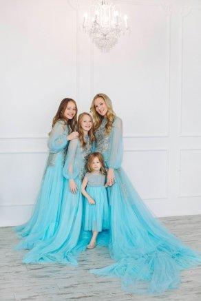 Комплект «Дочки-матери» голубой пышный