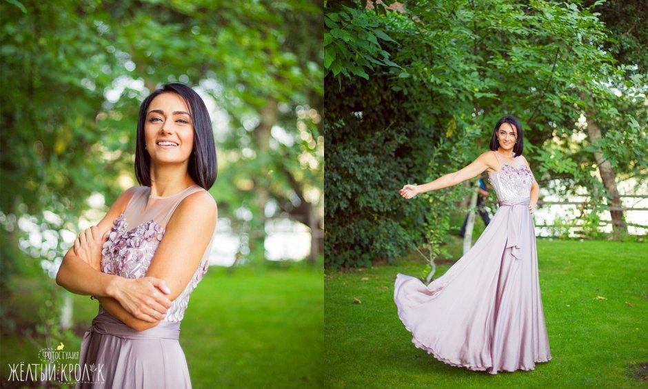 красивая девушка в платье на природе - репортажная фотосъемка в фотостудии желтый кролик